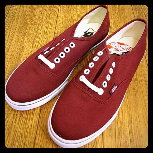 f4e191de3c Vans Authentic Lo Pro in Windsor Wine NWT
